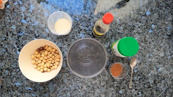 Ingredientes para elaborar Cremad e cacao con avellanas