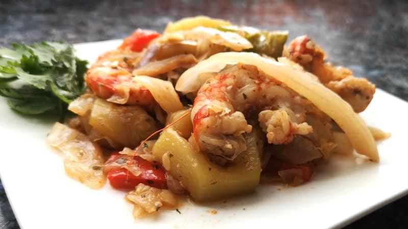 Gambas con verduras y salsa de soja